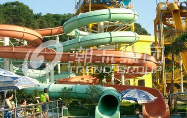 चीन Water Park Custom Water Slides Local Giant Hotel For Vacation फैक्टरी