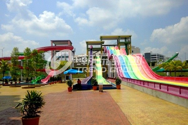 Large - scale Custom Family Water Slides with Galvanized steel Material